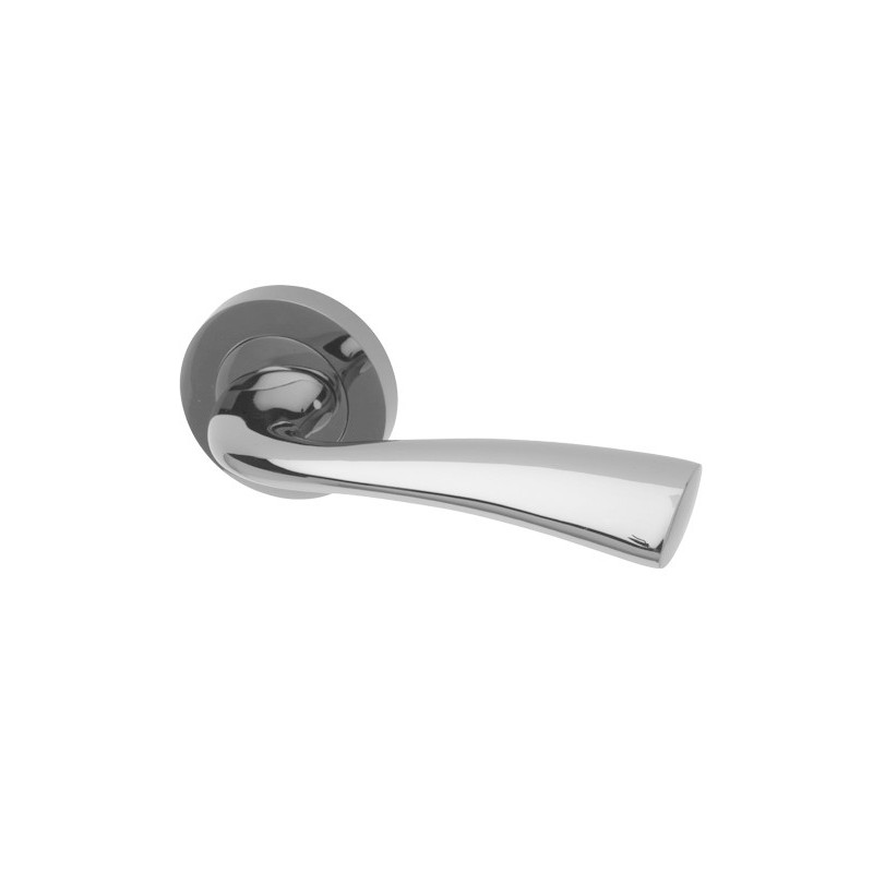 Scimitar Interior Door Handles on a Round Rose (CP)