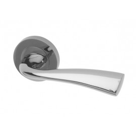 Scimitar Interior Door Handles on a Round Rose (SC)